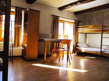 chambre-moyenne-chalet-alpazur-centre-vacance-activites-jeunes