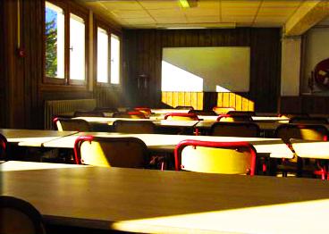 salle-classe-chalet-alpazur-centre-vacance-activites-jeunes
