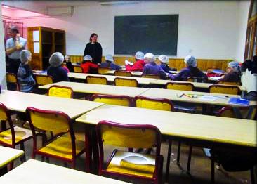 salle-cours-chalet-alpazur-centre-vacance-activites-jeunes